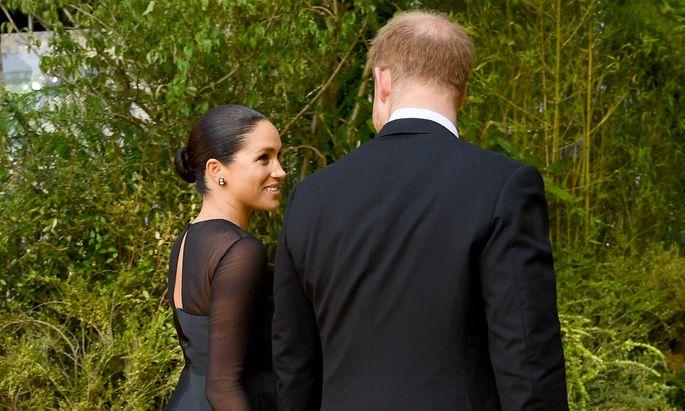 Harry und Meghan brechen immer wieder mit royalen Traditionen.