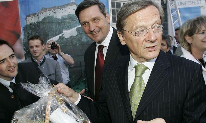 Inserate: ÖBB soll für Schüssel-Party gezahlt haben