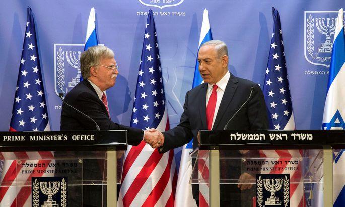 Demonstrative Einigkeit in der Iran-Frage: John Bolton (l.) und Israels Premier, Benjamin Netanjahu.