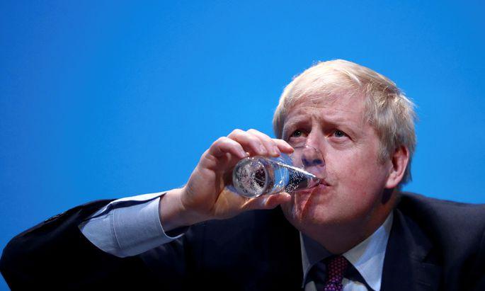 Johnson kämpft mit Außenminister Jeremy Hunt um den Einzug in die Downing Street.