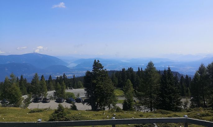 Von der Rosstratte überblickt man weite Teile Kärntens