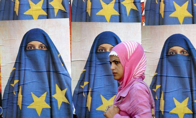 Die Annäherung zur EU steht in immer weiterer Ferne.