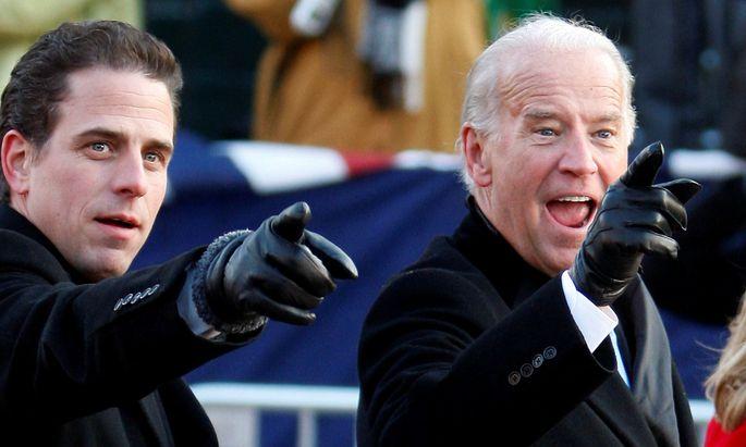 Aktuelle Bilder von Hunter Biden gibt es nicht - hier ein Archivbild aus dem Jahr 2009, als sein Vater Joe (re.) gerade US-Vizepräsident geworden war.