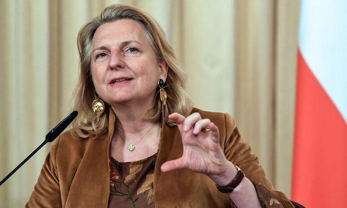 Archivbild von Karin Kneissl aus ihrer Zeit als Außenministerin im Jahr 2019.