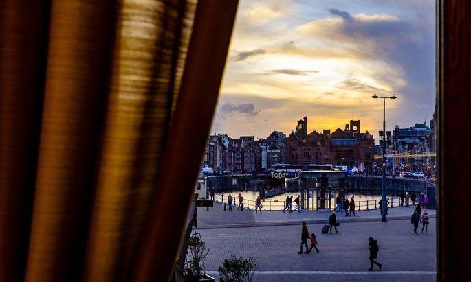 So schön Amsterdam auch ist, von der Krise wurde es, wie viele andere Hauptstädte, hart getroffen.