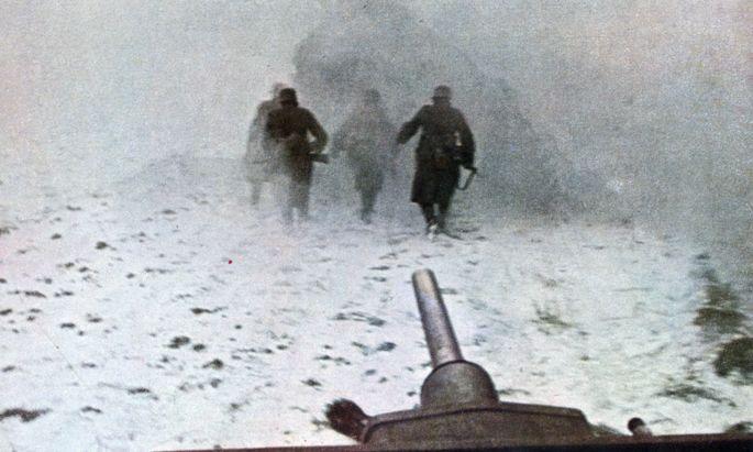 """Angeblicher """"Kampf für Europa"""". Bild aus der NS-Propagandazeitschrift """"Signal""""."""