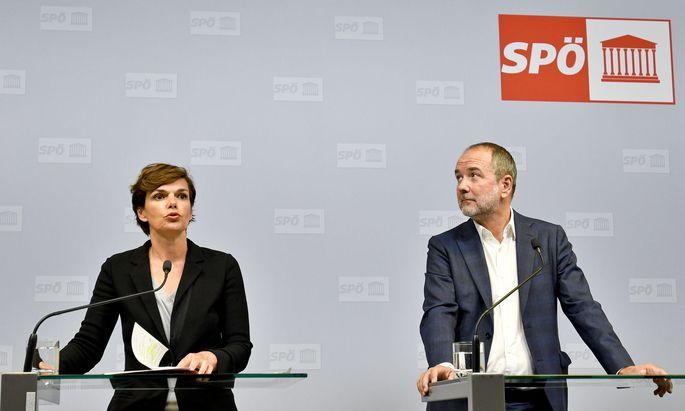 Bundesparteivorsitzende Pamela Rendi-Wagner (L) und Bundesgeschäftsführer Thomas Drozda