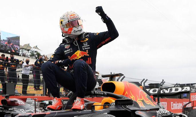 Siegerpose von Max Verstappen