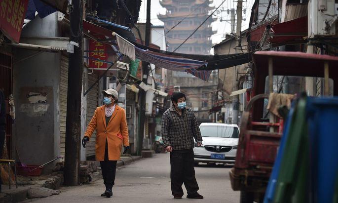 Hauptbetroffen ist China, einer der globalen Angelpunkte diverser Zulieferketten.