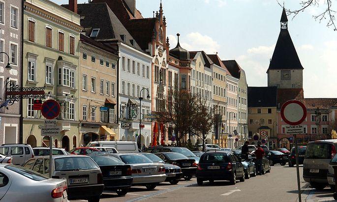 Auch Braunau steht als Stop auf dem Programm der Neonazis.