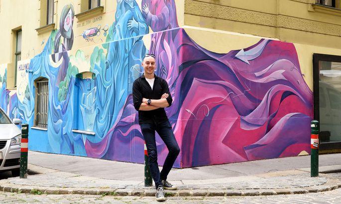 Der Grazer Künstler arbeitete eineinhalb Wochen an der Wand in der Fassziehergasse.