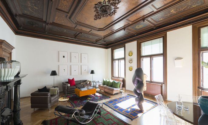 In der Wohnung von Sammler Florian Staudinger ist viel heimische Kunst zu finden.
