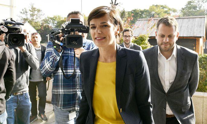 SPÖ-Chefin Pamela Rendi-Wagner trat am Sonntag nach einer dreistündigen Präsidiumssitzung am Wiener Kahlenberg vor die Medien.