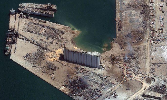 Vom Hafen in Beirut blieb wenig übrig - im Bild das Epizentrum der Explosion.