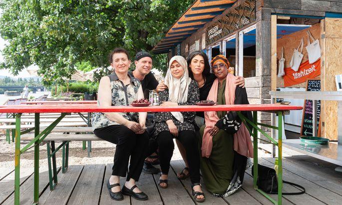 Köchinnen aus Georgien, Afghanistan, Syrien und Somalia bekochen die Adria Wien.