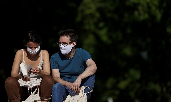 The coronavirus disease (COVID-19) outbreak, in Paris