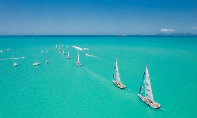 """Segeln kann traumhafte Visionen erfüllen, auf hoher See jedoch auch ein Martyrium sein: Bettina Neid ist mit der """"Clipper Race""""-Flotte unterwegs."""