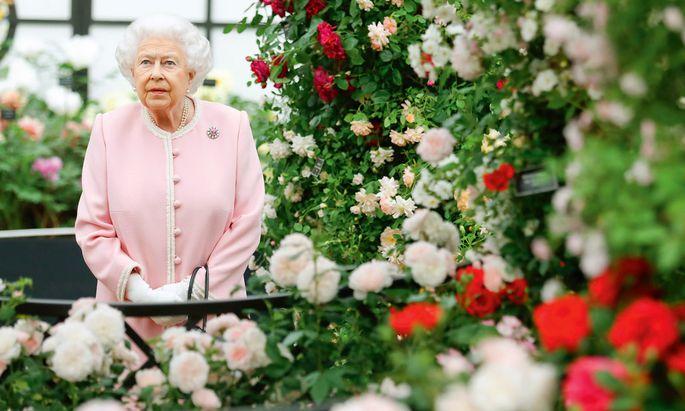 Queen Elizabeth II schaut regelmäßig auf der Flower Show vorbei.