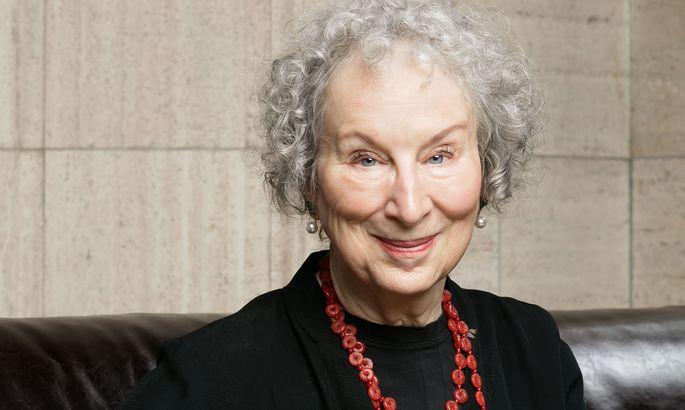 Margaret Atwood (s. Bild), J.K. Rowling, Salman Rushdie und Daniel Kehlmann zählen zu den Unterzeichnern des offenen Briefs, veröffentlicht auf den Online-Seiten ´Harper´s Magazine´.