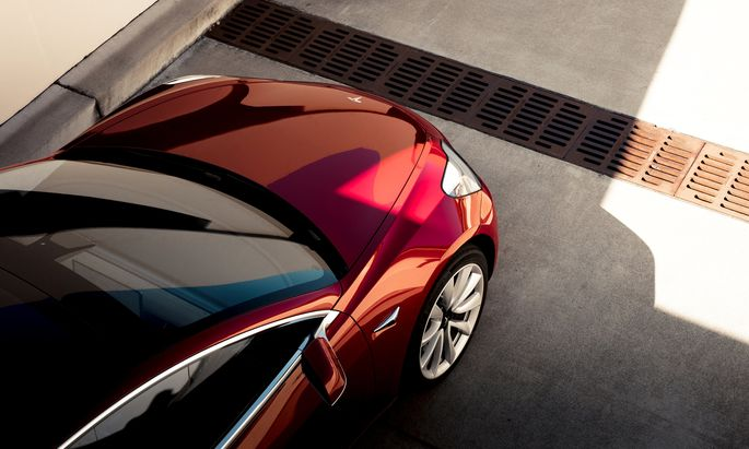 Das Modell 3 soll der E-Mobilität den Durchbruch bringen. Derzeit gibt es aber Anlaufprobleme.