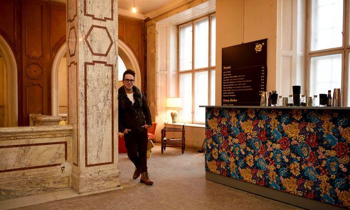 Reinhard Pohorec betreibt (mit Friederike Seiler) die Pop-up-Bar The Velvet Room.