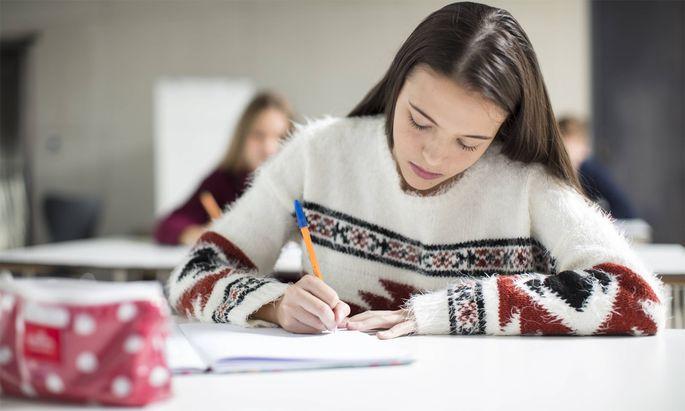Schüler beschweren sich, weil sie die Deutsch-Reifeprüfung nicht wie vorgesehen am Computer schreiben konnten.