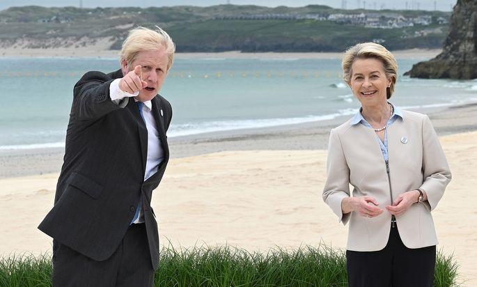 Boris Johnson mit Ursula von der Leyen