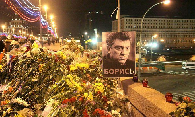 Moskau: Gedenken an die Ermordung Nemzovs im Jahr 2015.