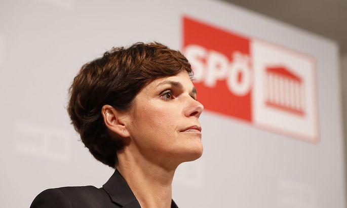 Pamela Rendi-Wagner Pressestatement nach der Tagung des SPOe-Parteivorstandes SPOe macht Christian Deutsch zum neuen Bund