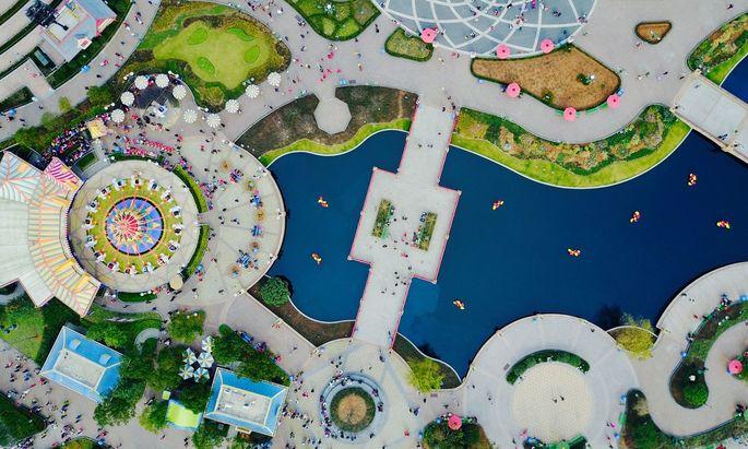 Die Themenparks von Disney (im Bild Shanghai Disneyland) waren coronabedingt zeitweise geschlossen.