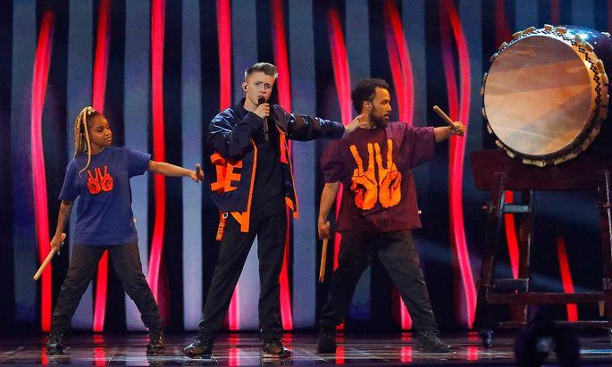 """Belgien probierte es erneut mit jungen Talenten, Eliot lieferte mit """"Wake Up"""" aber eine unterdurchschnittliche Performance."""