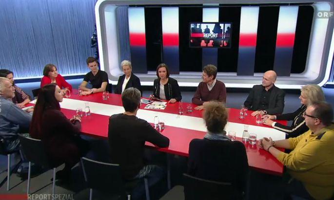 12 Gäste im Studio: Susanne Schnabl diskutierte mit Bürgern, die repräsentativ aus einer großen SORA-Umfrage zum Thema Demokratie ausgewählt wurden.