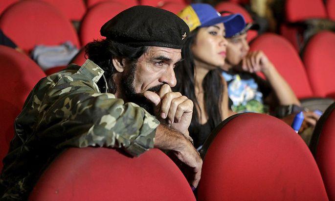 Humberto Lopez, bekannt als 'El Che', kann das Ergebnis der Parlamentswahlen in Venezuela kaum glauben.