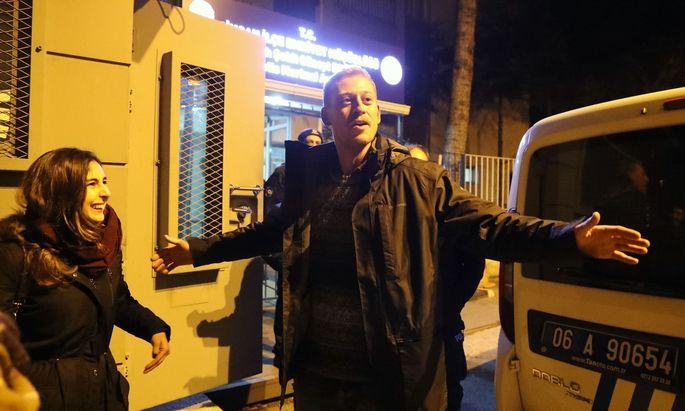 Max Zirngast sieht sich als einen politischen Gefangenen.