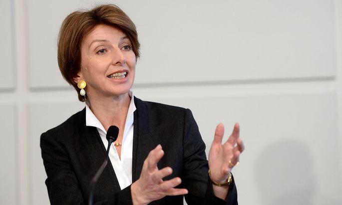 Archivbild: Gaby Schaunig bei einer Pressekonferenz im Vorjahr