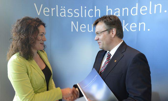 ÖVP-Landeshauptmann Günther Platter mit seiner Stellvertreterin von den Grünen, Ingrid Felipe.