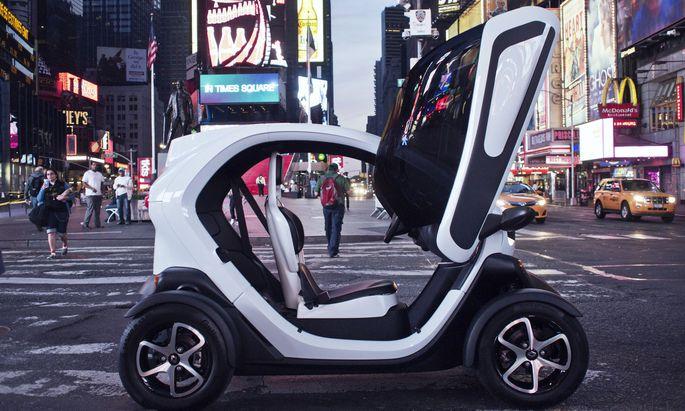 Vielleicht zu früh dran gewesen: Der Renault Twizy, 2011 gestartet, wurde als Alternative zu Auto oder Moped bei uns nicht recht angenommen.