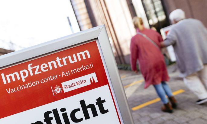 In Deutschland haben mehr als 15 Prozent der Menschen eine Erstimpfung gegen das Coronavirus erhalten.