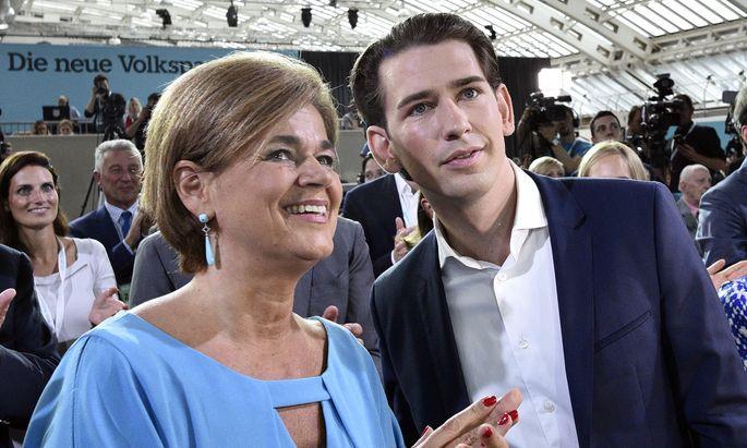 Die mögliche Wirtschaftsministerin Bettina Glatz-Kremsner (ÖVP) und Sebastian Kurz.