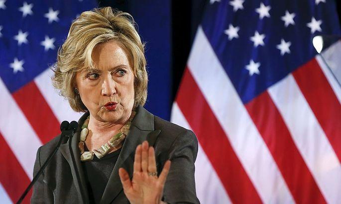 Ist sich keiner Schuld bewusst: Hillary Clinton