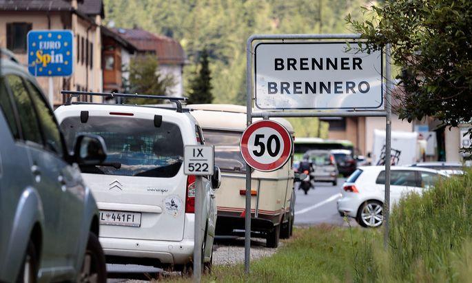 THEMENBILD: BRENNER / GRENZSICHERUNG / GRENZKONTROLLEN / FL�CHTLINGE