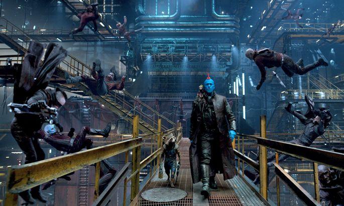 In diesem All hat jeder seine Marotten: Weltraum-Outlaw Yondu (Michael Rooker) mit Waschbär Rocket (Bradley Cooper).