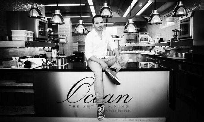 Hans Neuner kocht konzentriert, arbeitet sich am Meer und seinen Bewohnern ab und wagt starke Kombinationen.