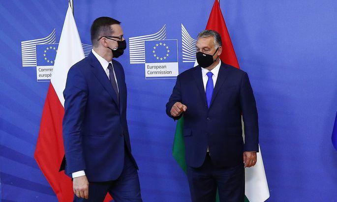 Der polnische Ministerpräsident Mateusz Morawiecki und sein ungarischer Amtskollege Viktor Orbán stehen bei der EU-Kommission besonders im Fokus.