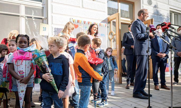 Bildungsminister Heinz Faßmann beim Besuch einer Volksschule am 6. September.