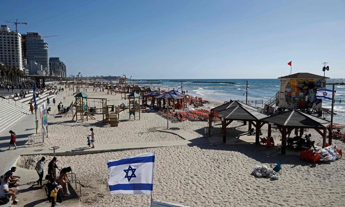 Strandleben in Tel Aviv: Tagsüber entspannen, abends in die Expo-Halle zum ESC-Semifinale.