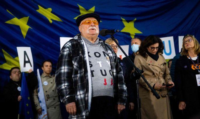 TOPSHOT-POLAND-EU-POLITICS-JUSTICE-DEMO