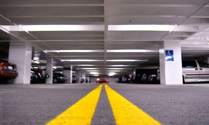 Die Vision eines Verkehrsexperten: Alle Autos sollen in Wien nur noch unter der Straßenoberfläche abgestellt werden dürfen.