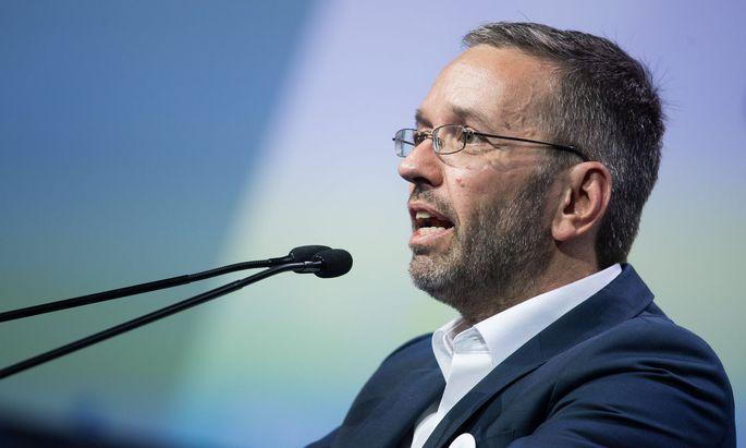 Herbert Kickl wurde am Samstag am Parteitag der Freiheitlichen in Wiener Neustadt zum neuen Parteichef gewählt.