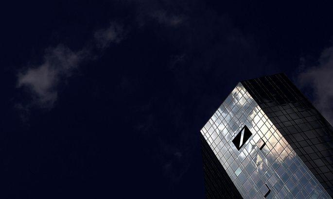 Archivbild: Die Deutsche Bank trifft der Ausbruch des Coronavirus mitten im Konzernumbau.